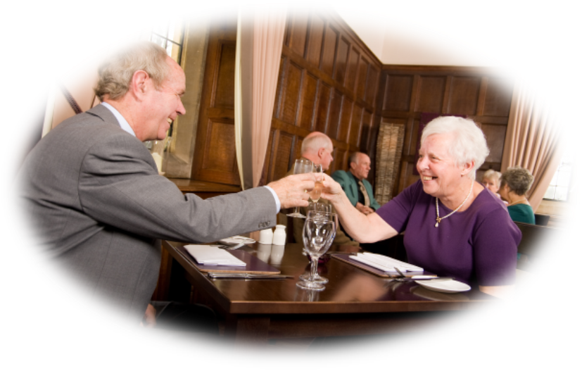 oval-senior-couple-dining